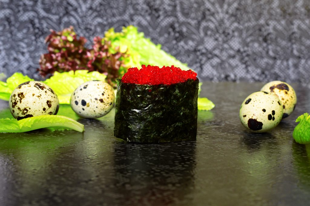 Soy Paper Vs. Nori In Your Sushi: Which Is Healthier