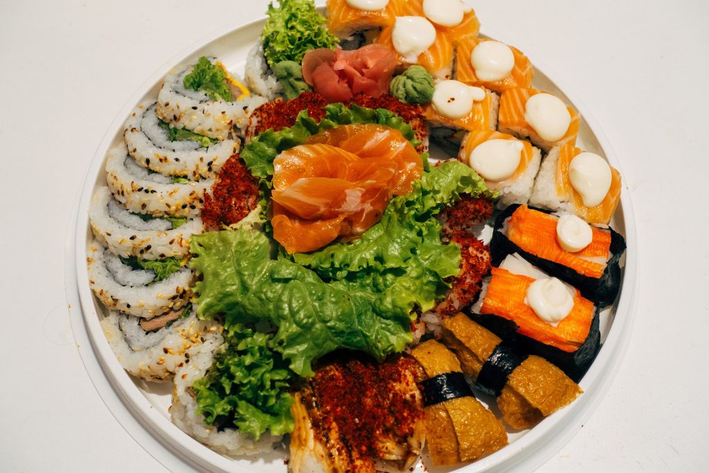 The 12 Best Apps to Help You Order Sushi Like A Pro